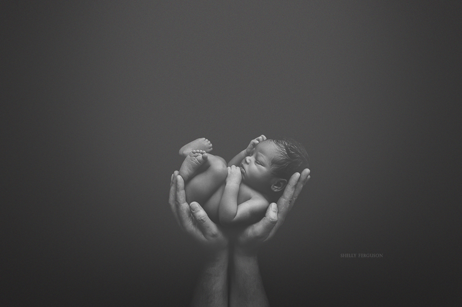 Artistic black and white newborn photography