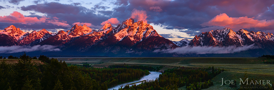 Sunrise on the Grand Teton Mountains from the Snake River Overlook.